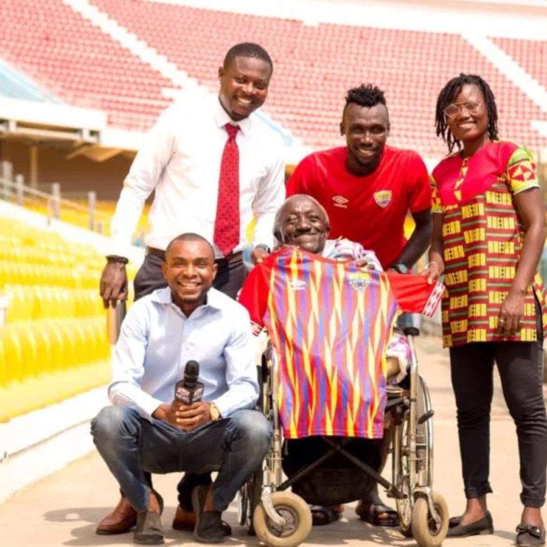 Emmanuel Nettey Donates Signing-on Jersey to Disabled Supporter