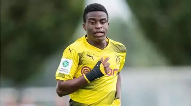 Young Player Moukoko Called To Play For Dortmund Senior Team